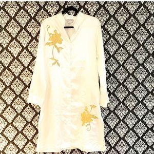 Lane Bryant size M Sleep shirt white with Gold
